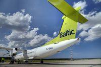 """Te ir darbs: """"airBaltic"""" pieņems darbā vairāk nekā 350 cilvēku"""