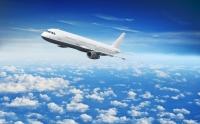 Tiesa piespriež sodu lidmašīnā trakojošai vecmāmiņai