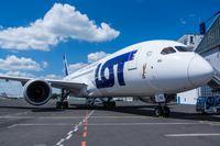 LOT Airlines cenu akcija uz tālajiem lidojumiem