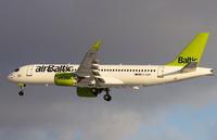 """""""airBaltic"""" ar jauno lidmašīnu grib iekarot Singapūras aviošovu"""