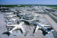 Eiropai pieprasa strauji risināt lidojumu kavējumu problēmas