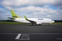De facto: глава airBaltic работает 3-4 дня в неделю, а за год получает миллион